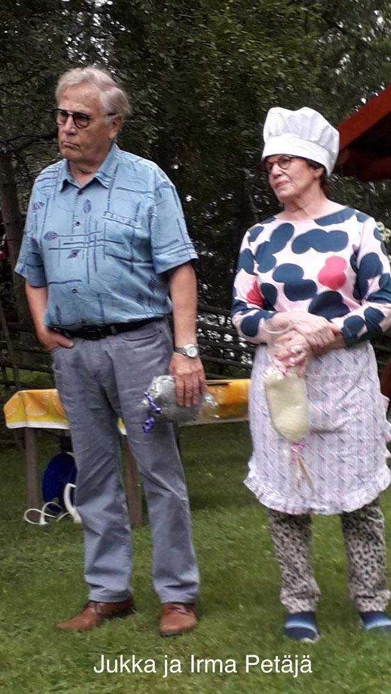 Isäntapari Jukka ja Irma Petäjä